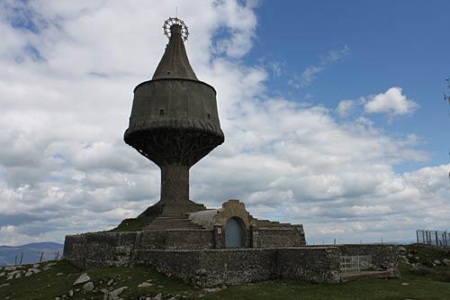 Monumento de la Virgen de La Antigua.