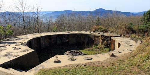 Ruinas militares en el monte Kuskuburu.