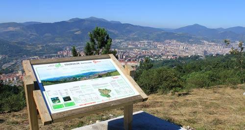 Mirador sur del monte Ganguren.
