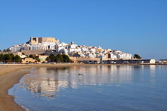 Ostras, tú: Xenaia tocó el paraíso en el Castillo de Peñíscola