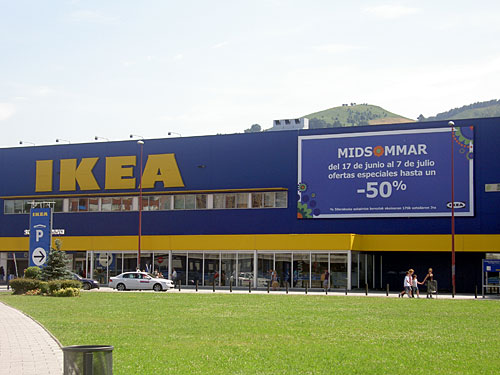 Pabellón de Ikea durante nuestra Barakaldo Bira.