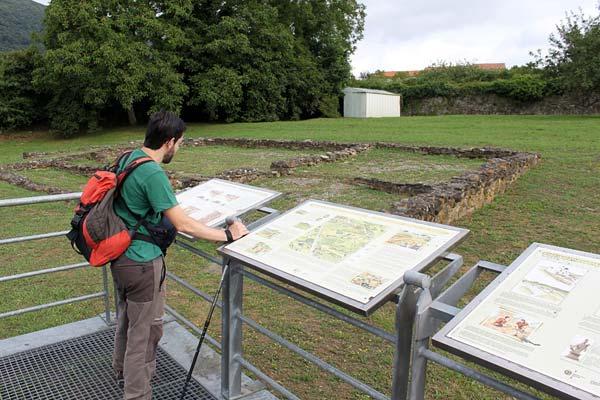 Buscando un estanco en el mapa del poblado. No aparece. Brrr…