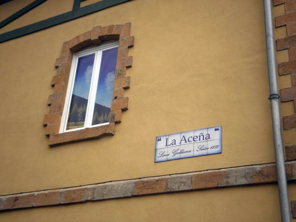 Vieja estación de La Aceña, recientemente restaurada.