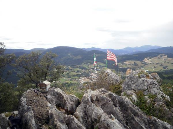 Unas vistas de primera división desde la cima del monte Ilunbe.