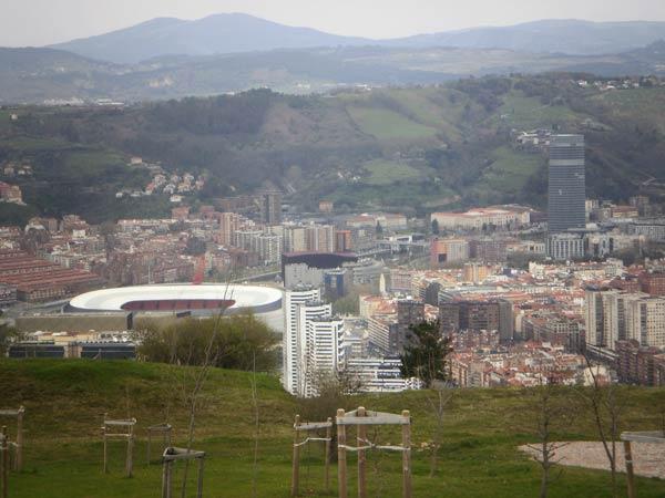 Preciosa vista de Bilbao desde el monte Arraiz.