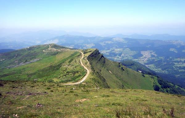 Esto y más es lo que se ve desde el la cima del monte Ubixeta. ¡Casi nada!