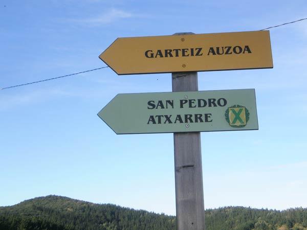 San Pedro de Atxarre, ermita de visita obligada.