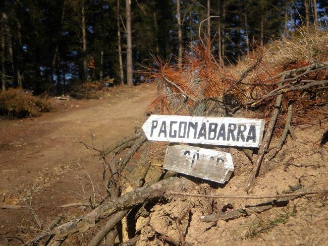 Señal de acceso al monte Pagonabarra.