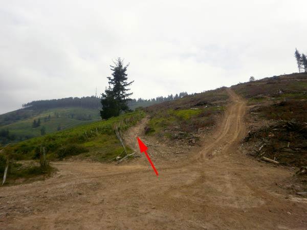 Ya se ve la antena del monte Pagolar. No queda ya nada.