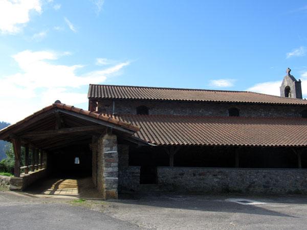 Ermita de San Juan de Oba (y bolatoki)